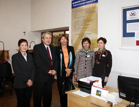 Návšteva z Parlamentnej knižnice Národnej rady Slovenskej republiky v krajskej knižnici