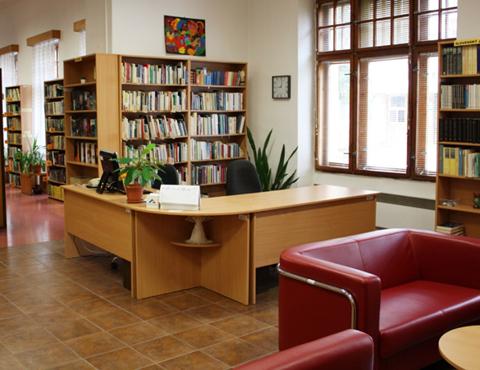 Renovácia oddelení krásnej literatúry a elektronických zdrojov vďaka podpore z verejných zdrojov Fondu na podporu umenia